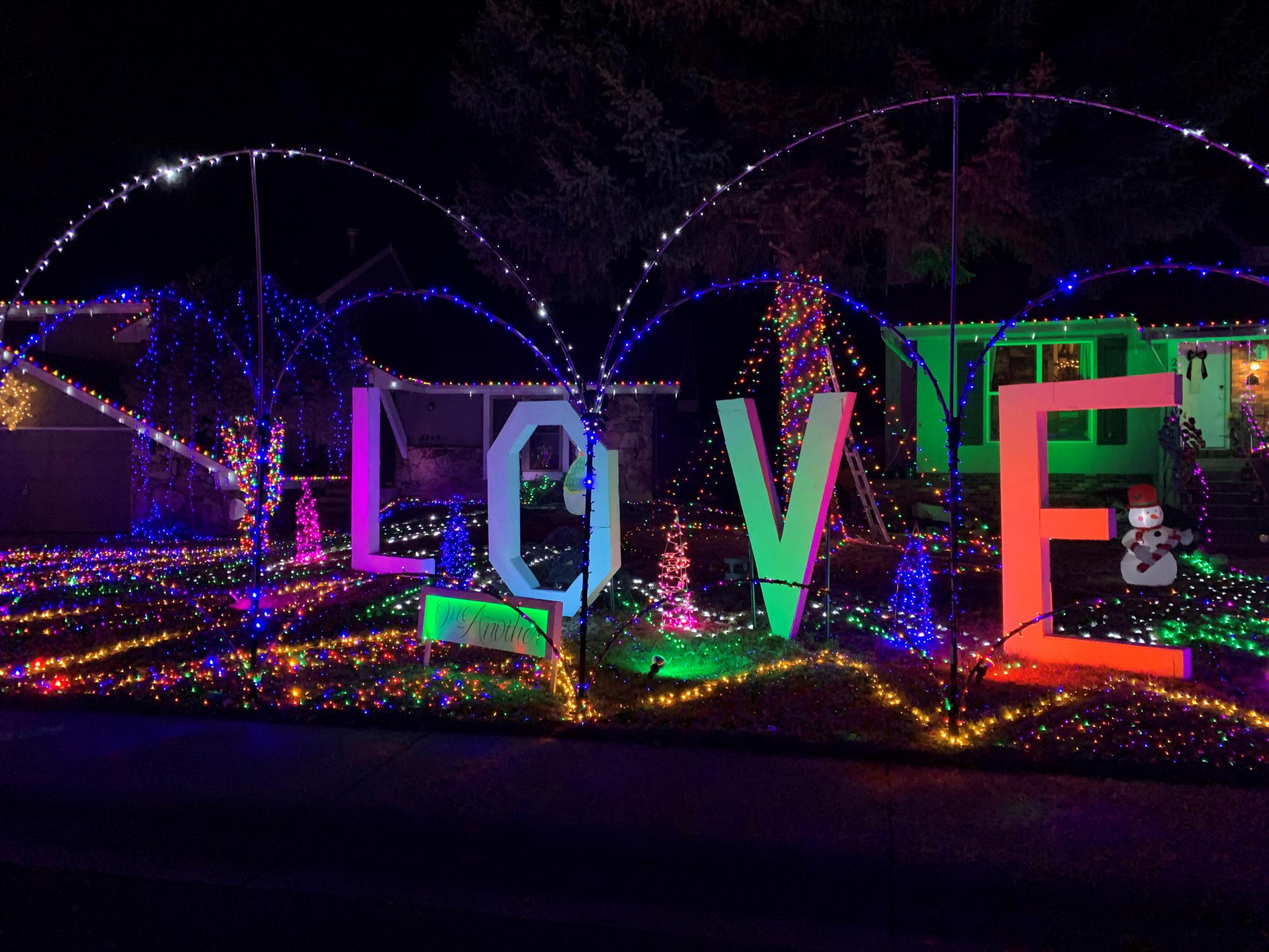 Holiday LOVE Light Display Ouray Court